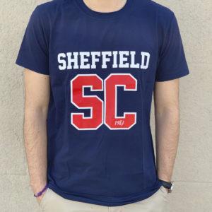 Camiseta azul con SC rojo